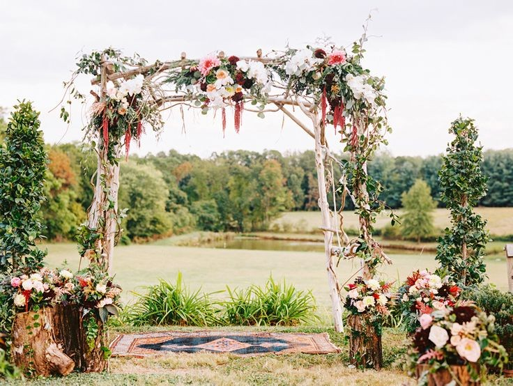 Cozy Wedding Ideas - using area rugs in a vintage wedding